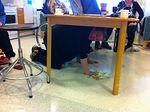 Sirpa se joutuu nöyrtymään vaikka pöydän alle piiloon