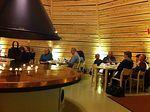 Ilta Kotaravintolassa sujui laulaen ja Saamenkuouluskeskuksesta kuunnellen