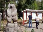 Hui -karhu! Olli ja Khamish eivät karhua säikkyneet Evokeskuksessa.